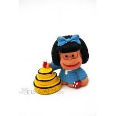 Figura Mafalda con pastel