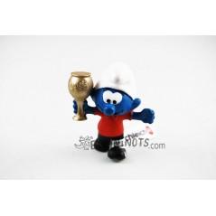 Figura Pitufo futbolista con trofeo